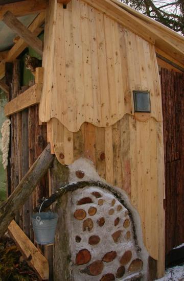 construction en palettes et bois cordé