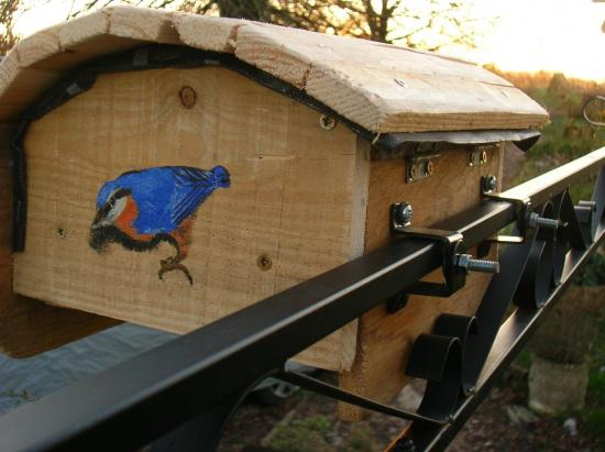 mangeoire oiseaux en palettes. Black Bedroom Furniture Sets. Home Design Ideas